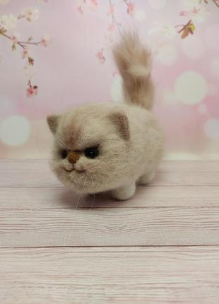 Игрушка кот валяный. фигурка котик. котенок из шерсти. белый кот. рыжий кот. подарок, сувенир котик