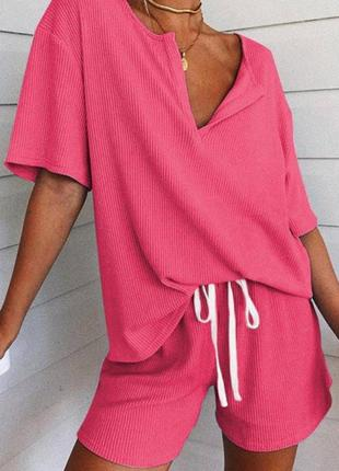 Костюм с шортами женский летний легкий свободный футболка белый розовый