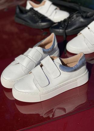 Белые мягкие кеды из натуральной кожи на платформе, кроссовки на липучках