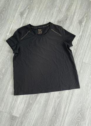 Черная футболка crivit
