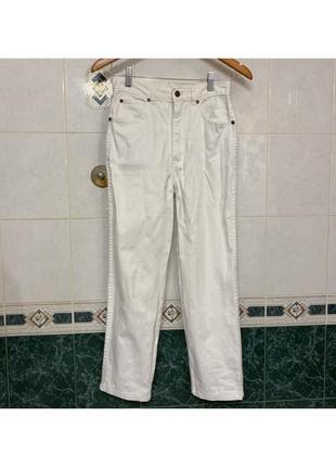 Белые штаны на высокой талии посадке прямые mom джинсы