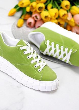 Женские кроссовки эко замша зелёные с белым