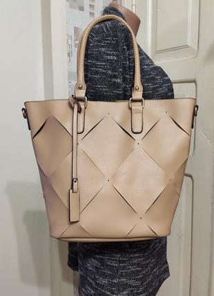 Стильная сумка.