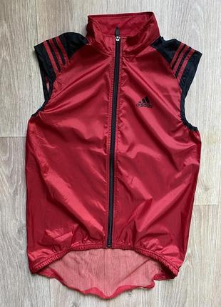 Adidas жилетка фирменная s беговая