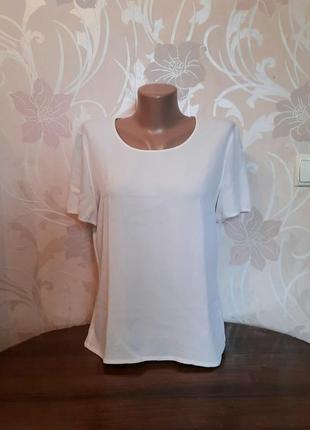 Белая, шёлковая блузка escada