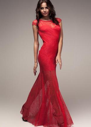 Вечернее коралловое платье в пол. спина оькрыта .ткань гипюр .размер s