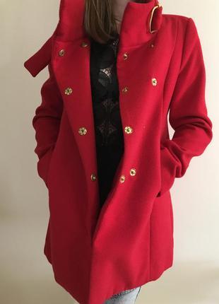 Пальто кашемир красного цвета