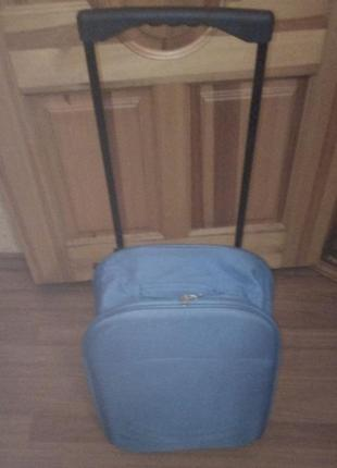 Чемодан на колесах сумка на колесиках