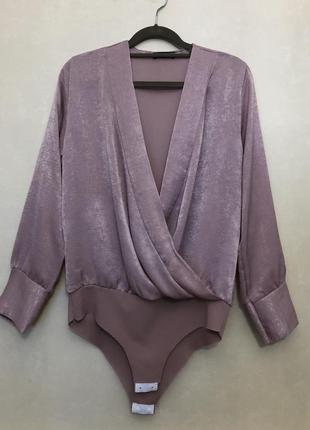 Нарядная блуза-боди на запах,пудового цвета boohoo (италия)