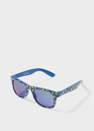 Очки солнцезащитные c&a с миньоном