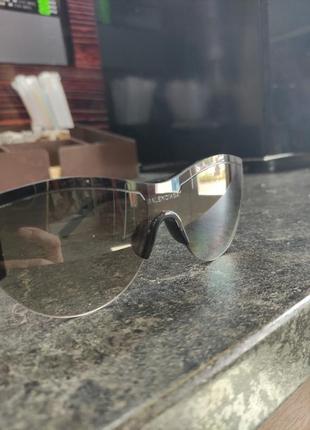 Солнцезащитные очки и balenciaga5 фото