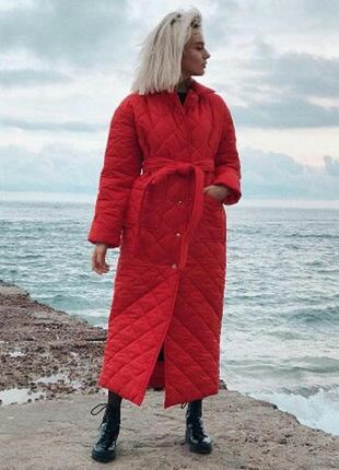 Стильное зимнее стеганное пальто