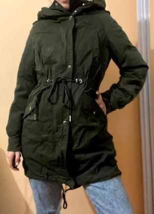 Продам зимову куртку bershka в чудовому стані!