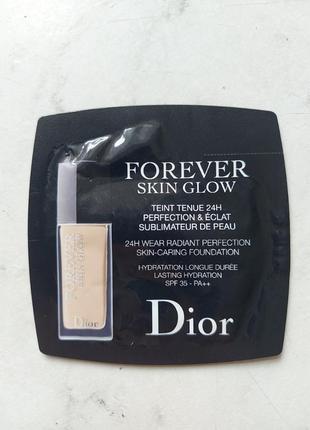 Dior тональный флюид для лица diorskin forever skin glow