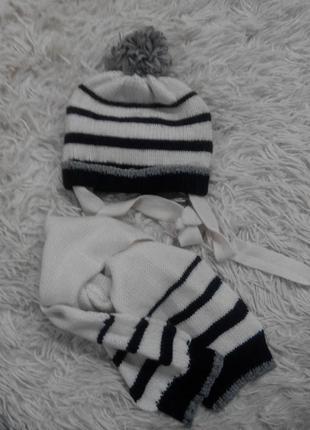 Теплый зимний комплект, шапка и шарфик, в составе шерсть, на возраст ориентировочно 6 мес.