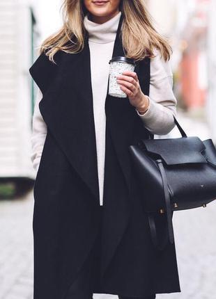 Супер стильное пальто без рукавов zara