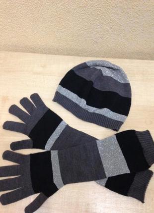 Шапка и перчатки benetton