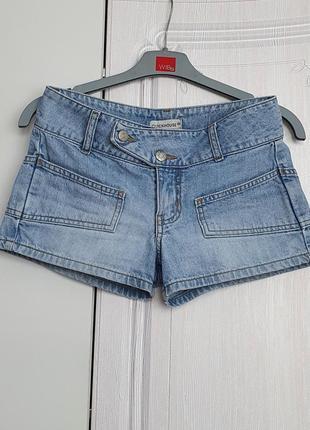 Стильные джинсовые шорты clockhouse короткие шорты