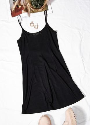 Черный сарафан с тонкими бретелями, черное платье с тонкими бретелями, плаття, сукня