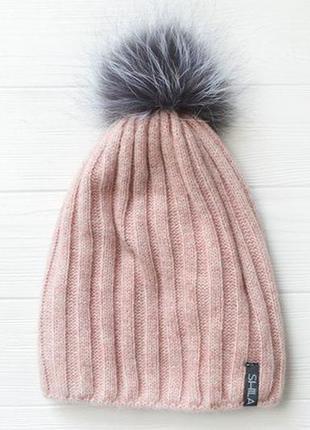Теплая шапка на флисовой подкладке пудрового цвета с натуральным мехом новая в упаковке