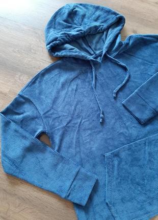 Толстовка, худи, кофта с карманом, цвет голубой, посадка свободная, на размер xs,s,m, очень мягкая и уютная, с капюшон,скидка, распродажа.