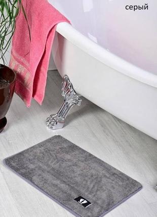 Коврик для ванной серый