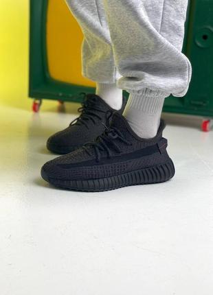 Новые женские кроссовки демисезонные adidas yeezy 350 чёрные рефлектив текстильные