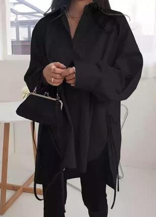 Чёрная удлинённая рубашка оверсайз