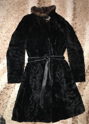Каракулевая теплая черная шуба! хит зимы