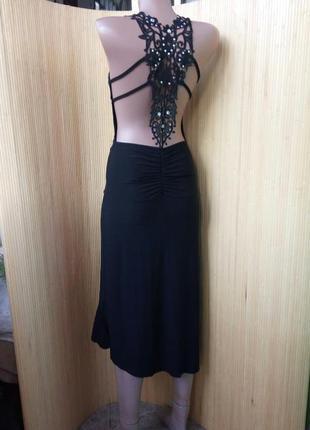Чёрное платье с ажурной спиной и баской по подолу in style fashion