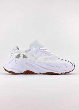 Adidas yeezy 700 wave runner white женские кроссовки белые адидас изи 700