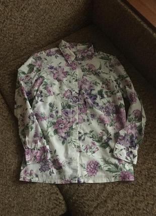 Красивая цветочная блуза