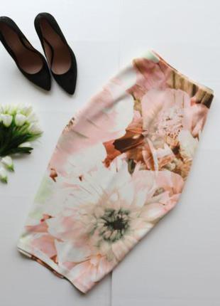 Красивая трикотажная юбка миди с завышенной талией в цветочный принт