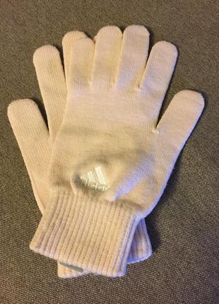 Супер классные, красивые фирменные перчатки. adidas.