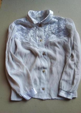 Белая блузка в школу