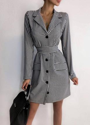 Женское платье пиджак в клетку