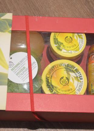 The body shop подарочный набор масло для тела скраб для тела гель для душа мыло мочалка