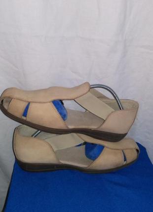 Красивые фирменные сандали (made in india )