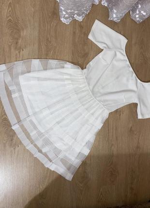 Нарядное женское платье белое с молнией сзади
