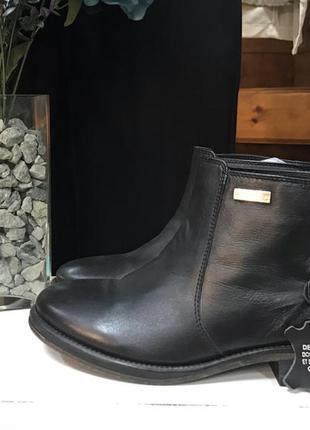 Кожаные ботинки opиграно  38 р