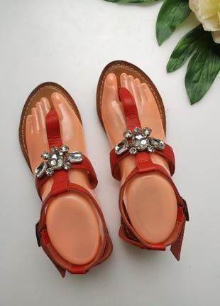 Кожаные сандали со стразами от  papaya на плоской подошве  сандалии-гладиаторы
