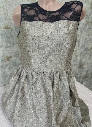 Красивое вечернее платье колокольчик с кружевом