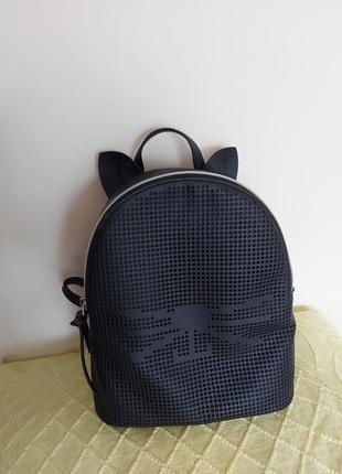 Рюкзак  с ушками котика  кожзам среднего размеру