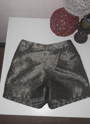 Красивые парчевые шотры-юбка для юнной модницы