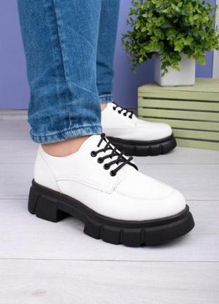 Женские черные туфли на шнуровке (2 цвета)
