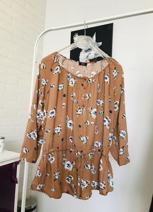 Блузка кофта в квіти футболка