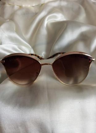Сонцезахисні окуляри діор
