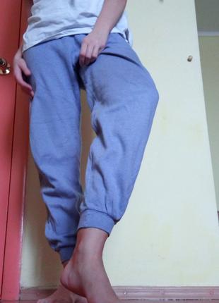 Спортивные штаны на резинке нежного цвета blue mate