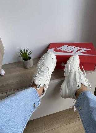 Шикарные кроссовки nike бежевые рефлективный логотип6 фото