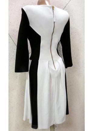 Шикарное теплое фирменное платье с молнией на всю спинку